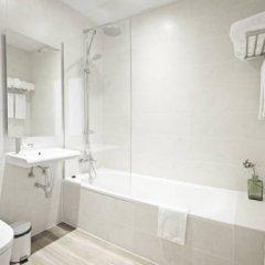 Отель Som Nit Born Стандартный семейный номер с различными типами кроватей фото 5