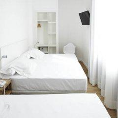 Отель Som Nit Born Стандартный номер с двуспальной кроватью