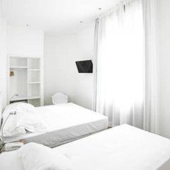 Отель Som Nit Born Стандартный номер с двуспальной кроватью фото 2
