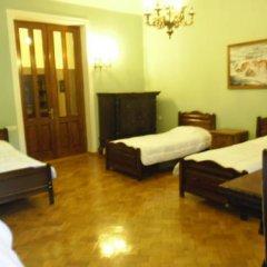 Elena Hostel Кровать в общем номере с двухъярусной кроватью фото 4