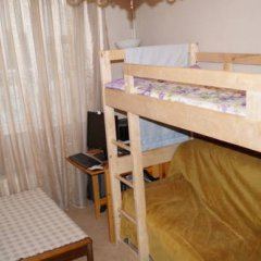 Хостел на Римской Кровать в мужском общем номере с двухъярусными кроватями