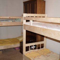 Хостел на Римской Кровать в мужском общем номере с двухъярусными кроватями фото 9