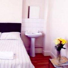 The Crystal Lodge Hotel 2* Стандартный номер с различными типами кроватей (общая ванная комната) фото 15