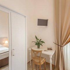 Отель Biancoreroma B&B 3* Стандартный номер с различными типами кроватей фото 7