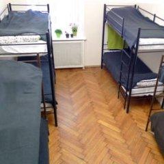 Отель Меблированные комнаты Баинай на Охотном Ряду Кровать в общем номере фото 14
