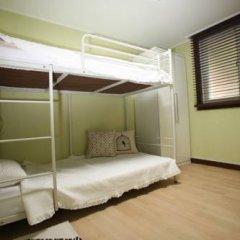 Somi Guest House - Hostel Кровать в общем номере с двухъярусной кроватью