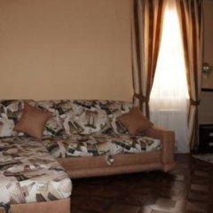 Гостиница Оазис в Лесу Стандартный семейный номер с различными типами кроватей фото 3