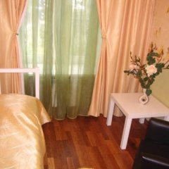 Mini Hotel Abrikol Номер Эконом с 2 отдельными кроватями (общая ванная комната) фото 2
