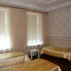 Mini Hotel Abrikol Кровать в общем номере с двухъярусной кроватью