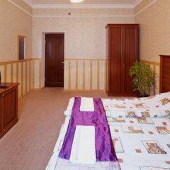 Grand Hostel Lviv Номер Эконом 2 отдельными кровати (общая ванная комната) фото 5