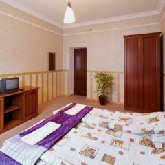 Grand Hostel Lviv Номер Эконом 2 отдельными кровати (общая ванная комната) фото 2