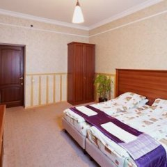 Grand Hostel Lviv Номер Эконом 2 отдельными кровати (общая ванная комната) фото 4