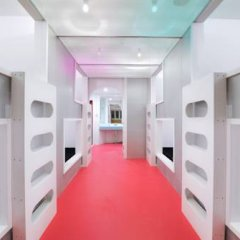 Отель Khaosan World Asakusa Ryokan Кровать в общем номере фото 15