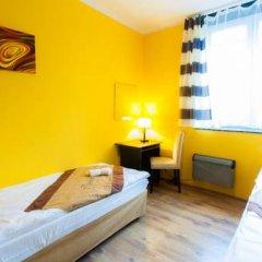 Chłodna29 Hostel Стандартный номер с 2 отдельными кроватями (общая ванная комната)