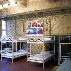 Typography Hostel Кровать в общем номере с двухъярусными кроватями