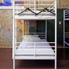 Typography Hostel Кровать в общем номере с двухъярусными кроватями фото 20