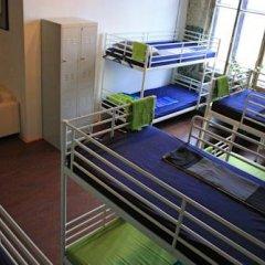 Typography Hostel Кровать в общем номере с двухъярусными кроватями фото 18