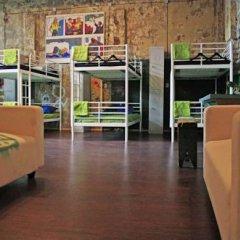 Typography Hostel Кровать в общем номере с двухъярусными кроватями фото 23