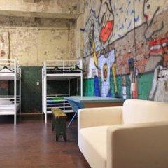 Typography Hostel Кровать в общем номере с двухъярусными кроватями фото 13
