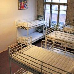 Typography Hostel Кровать в общем номере с двухъярусными кроватями фото 16