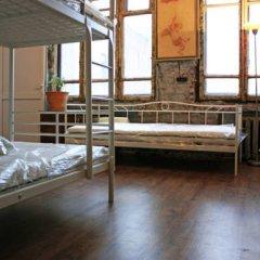 Typography Hostel Кровать в общем номере с двухъярусными кроватями фото 22