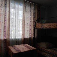 Hostel Druziya Стандартный семейный номер разные типы кроватей фото 3