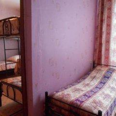 Hostel Druziya Стандартный семейный номер разные типы кроватей фото 9