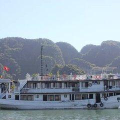 Отель Halong Dolphin Cruise 3* Улучшенный номер с различными типами кроватей фото 6