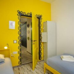 Хостел Акварель Кровати в общем номере с двухъярусными кроватями фото 4