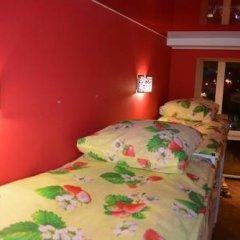 Hostel Matryoshka and Mishka Кровать в общем номере двухъярусные кровати фото 7
