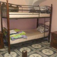 Воронцовский Дворец Хостел Кровать в общем номере с двухъярусной кроватью