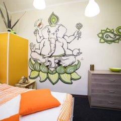 Art Hostel Contrast Стандартный номер с двуспальной кроватью (общая ванная комната) фото 4