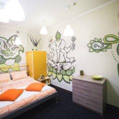Art Hostel Contrast Стандартный номер с двуспальной кроватью (общая ванная комната) фото 2