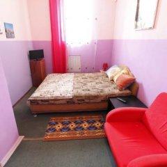Хостел Ливадия на Заневском Стандартный номер с двуспальной кроватью (общая ванная комната)