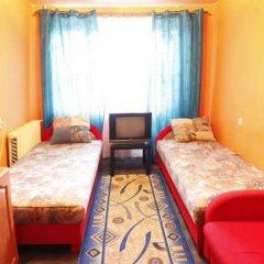 Хостел Ливадия на Заневском Стандартный номер с 2 отдельными кроватями (общая ванная комната) фото 2