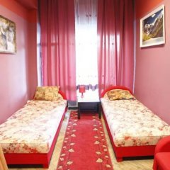 Хостел Ливадия на Заневском Стандартный номер с 2 отдельными кроватями (общая ванная комната)