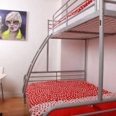 Brussel Hello Hostel Стандартный номер с двуспальной кроватью (общая ванная комната) фото 5