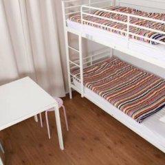 Brussel Hello Hostel Стандартный номер с 2 отдельными кроватями (общая ванная комната)