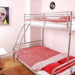 Brussel Hello Hostel Стандартный номер с двуспальной кроватью (общая ванная комната) фото 4