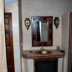 Отель Riad Dar Bennani 2* Стандартный номер с различными типами кроватей фото 17