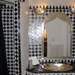 Отель Riad Dar Bennani 2* Стандартный номер с различными типами кроватей фото 8