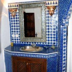 Отель Riad Dar Bennani 2* Стандартный номер с различными типами кроватей фото 24