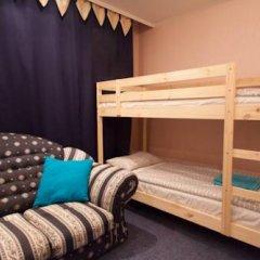 Лайк Хостел Омск Кровать в общем номере с двухъярусными кроватями фото 2