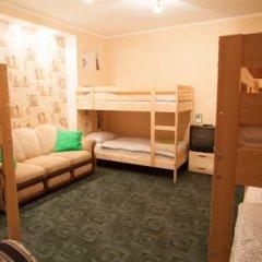 Лайк Хостел Омск Кровать в общем номере с двухъярусными кроватями фото 10