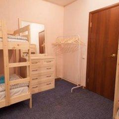 Лайк Хостел Омск Кровать в общем номере с двухъярусными кроватями фото 7