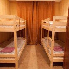 Лайк Хостел Омск Кровать в общем номере с двухъярусными кроватями фото 5