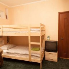 Лайк Хостел Омск Кровать в общем номере с двухъярусными кроватями фото 6