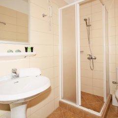 Отель Miramare Hotel Греция, Ситония - отзывы, цены и фото номеров - забронировать отель Miramare Hotel онлайн ванная