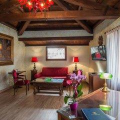 Hotel La Fenice Et Des Artistes 3* Люкс с различными типами кроватей фото 3