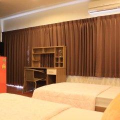 Ananas Phuket Central Hostel Пхукет комната для гостей фото 4